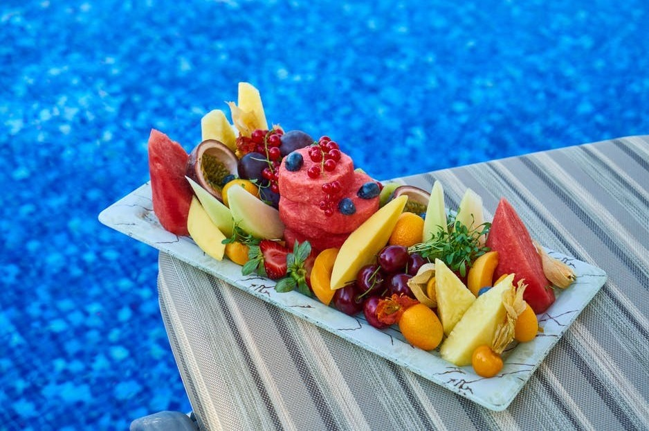 A plate of fruit salad